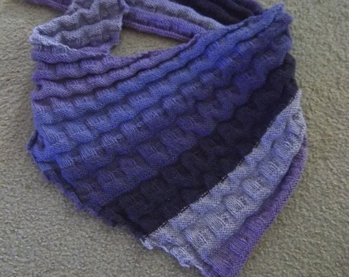 """Shawl """"Beatrice"""" - Handknitted Triangle Shawl in Self-Striping Colors of several purples"""