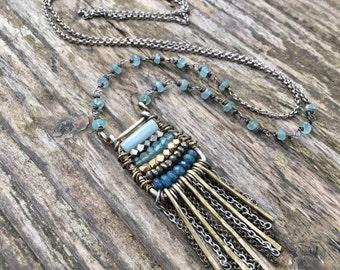 Boulier ancien collier Bohème avec cristal et pierres précieuses - collier Long Aqua bleu Boho Chic - or et Turquoise - Pyrite, Amazonite