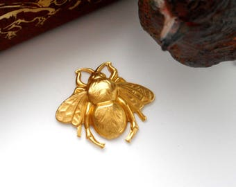 BRASS * (2 Pieces) Large Bumble Bee Stamping ~ Jewelry Findings ~ Brass Stamping (FA-6016)