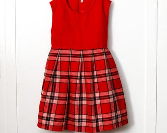 4T: 1960s Red Plaid Flannel Girl's Dress, Red Bodice, Pleated Plaid Skirt