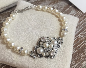 Pearl Bracelet , Wedding Pearl Bracelet , Single Strand Rhinestone Crystal Pearl Cuff Bridal Bracelet , Wedding Jewelry