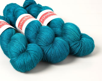 Tanami baby camel and silk hand dyed 4ply yarn -  Turning Tide