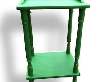 Mini Vibrant green shabby-chic side table