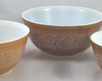 Set of Vintage Woodland Brown Pyrex Bowls - Near Mint