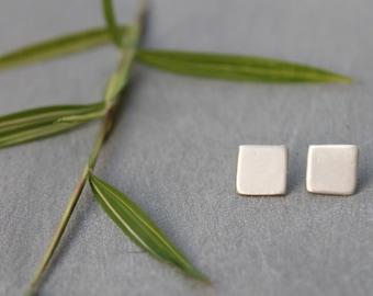 Geometric Silver Stud earrings, Tiny Square Earrings, Tiny Silver Square Earrings, simple earrings, everyday earrings