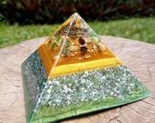 ABUNDANCE Orgone Pyramid – Jade, Tiger's Eye, Aventurine – Attract Wealth, Money and Prosperity - Spiritual Gift/Decor