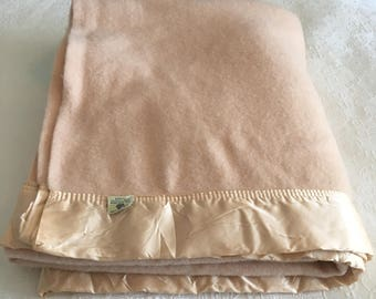 Blush VIRGIN WOOL BLANKET