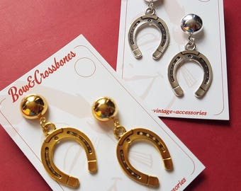 Howdy partner Horseshoe stud earrings