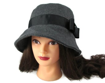 """Ladies Charcoal Gray Fleece Bucket Hat with Black Ribbon Band 23"""" - Cloche"""