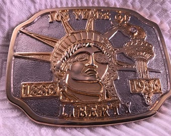 Vintage Goldtone Statue of Liberty 100 Year Anniversary Belt Buckle (1876-1976)