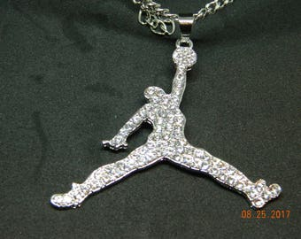 MIP-grote grootte-Iced out Air Jordan Silver Tone hanger wth een overeenkomende 24 inch 4mm ketting