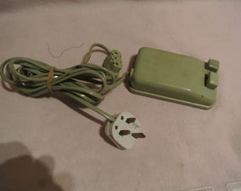 Singer Vintage Sewing machine 3 pin Plug and Foot controller(pedal) & leads