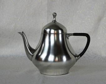 Pewter ~ Teapot ~ Mid-Century ~ Bisco ~ Genuine Holland Pewter Teapot ~ 28 Oz. Capacity ~ Danish Modern