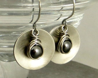 Silver Disc Earrings, Gray Pearl Earrings, Sterling Silver Earrings, Eco Friendly Jewelry, Gifts for Her