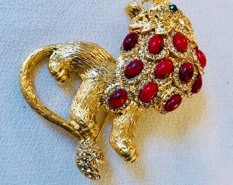 Glamorous Red Mottled Cabochon Roaring Leo Lion King of the Beasts Brooch Pin D&L Designer Signed Bling