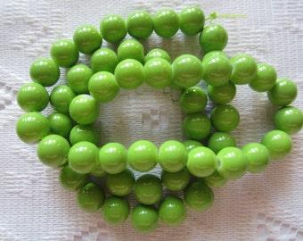 26  Apple Green Opaque Round Ball Glass Beads  8mm