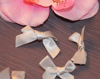 5 35x45mm jewelry scrapbooking grey satin bows