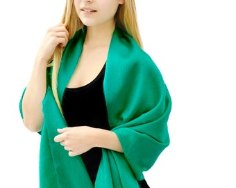 Kelly Green Baby Alpaca Shawl, Large Woolen Scarf, Warm Winter Wrap, Soft Chunky Scarf Ecuadorean Handwoven Alpaca Fleece Luxurious Stole