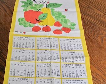 Vintage Vera Neumann Towel, Calendar Towel, vintage linens, Vintage Towel, Cotton towel, Fruit, Kitchen Towel, 1976, Original, Ladybug
