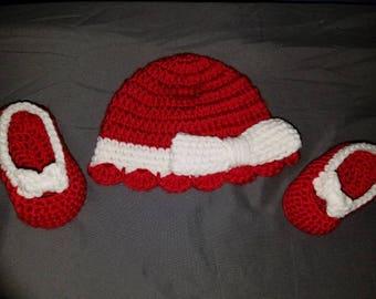 Girls Newborn Hat Set