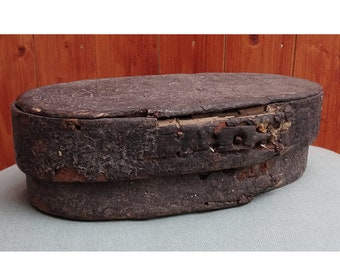 Primitive Old Bent wood box , Sweden