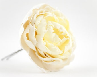 Ivory hair flower pin White peony flower clips Bridal hair pins Wedding hair flowers Hair jewels Prom hair accessories Prom flowers for hair