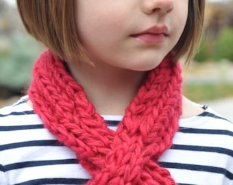 Child's Looped Scarflette Knitting Pattern (PDF INSTAMT DOWNLOAD)
