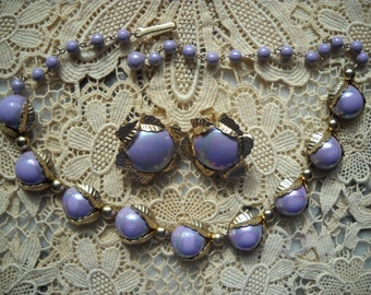 1940s Bold Purple Necklace And Matching Earring Set.......Iridescent Purple..