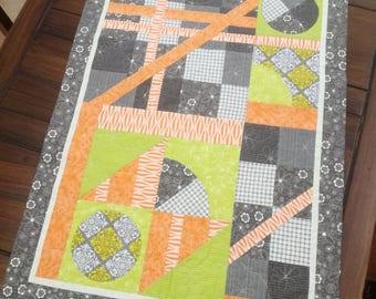 Quilt serving trolley double face, modern art quilt, Lidia B