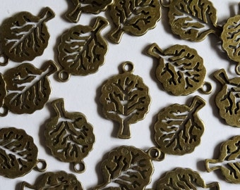 10 Antique Gold Tree Metal Jewellery Charms 21x14mm