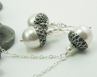 Bridesmaid Jewelry Set Acorn Necklace and Earrings Set with White Swarovski Pearls, White Pearl Jewelry Set, Winter Wedding Gift