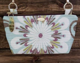 Crossbody purse with adjustable strap