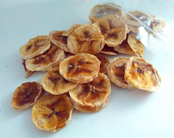 dehydrated banana, crisps 25g, 100g, 200g, Healthy rabbit treats, guinea pig treat. No added sugar, dairy free, fat free, gift for pets