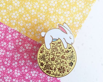 Sun Rabbit - Hard enamel pin - kawaii pin, cute enamel pin, rabbit lapel pin, cute bunny enamel pin, rabbit pin, cute bunny pin, usagi pin