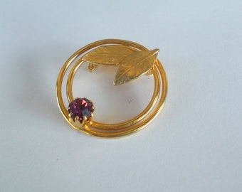 Gold Tone Wreath Brooch Amethyst Stone - Gold Leaf Infinity Circle Febuary Birthstone - Mid Century Design - Prissys Newberry Antiques