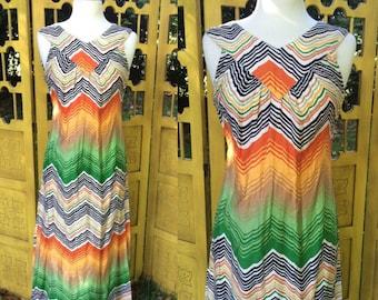Mod maxi dress from Japan, 70s chevron op art print, Xs S