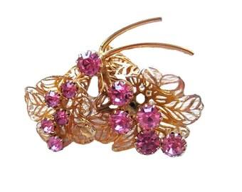 Pretty Pink Rhinestone Pin / Fashion Jewelry / Collectible Jewelry / Vintage Jewelry