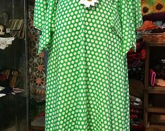 1970' polka dots maxi dress, with daisy. Size M.