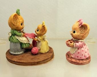 2 Mrs Shopmouse Enesco Figurines 1980s Cute Mice Mouse Mouseville Miniature Resin Figures