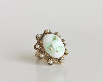 White Ring with Gold - Adjustable Statement Ring - Green Oval Art Glass Cabochon and Seed Pearls - Floral Band - Vintage 60s