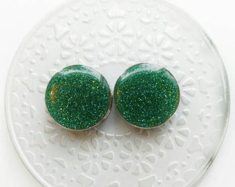 "Lake Green Plugs/Studs - 4g, 2g, 0g, 00g, 7/16, 1/2, 9/16, 5/8, 3/4, 7/8, 1"", 1 1/8, 1 1/4, 1 3/8, 1 1/2, 1 5/8, 1 3/4, 1 7/8, 2"""