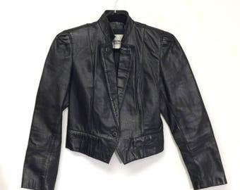 Womens Ladies Vintage Black Leather Jacket Cropped Puff Sleeves Fitted Size XS Extra Small Motorcycle Wilsons Pockets Pleated
