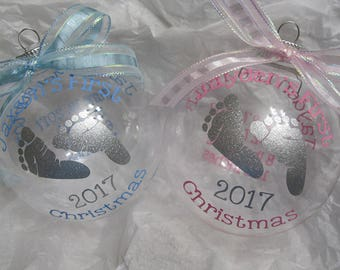 "Personalized Keepsake for Baby's First Christmas 2017 4"" Clear Glass Ornament"