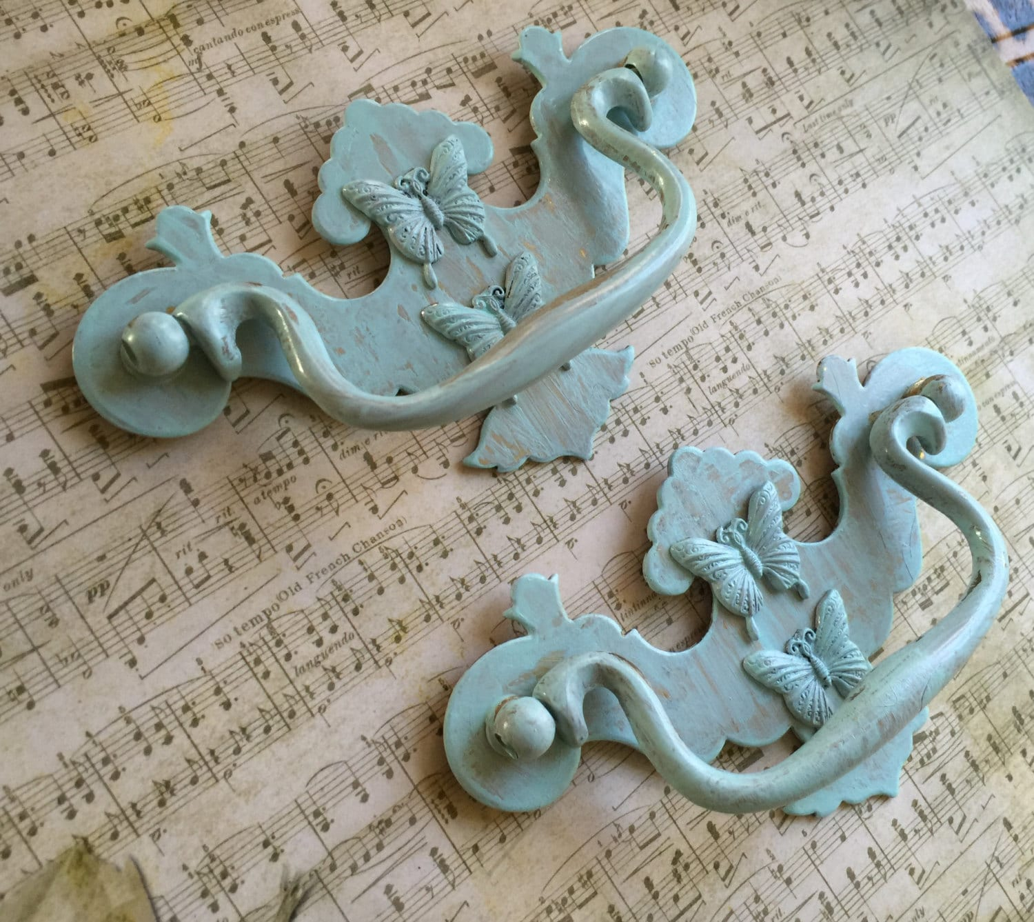 Shabby Chic Drawer Pulls Vintage Home Accents Vintage Patina Washed ...