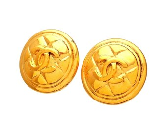 Authentic vintage Chanel earrings Quilted Round CC logo #ea2081