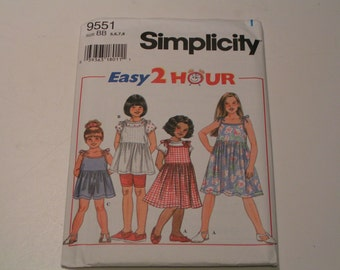 Simplicity Pattern 9551 easy 2 hour Child Separates