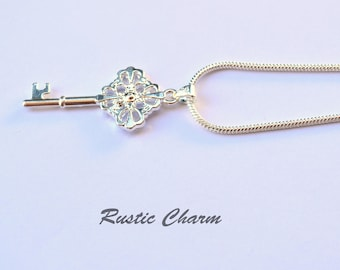 Silver Plated Key Pendent Necklace