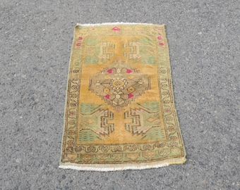 Oushak Rug for small space,Turkish Oushak Rug,Vintage Small Rug,Anatolian Handmade door mat,Tapis Ref.1046