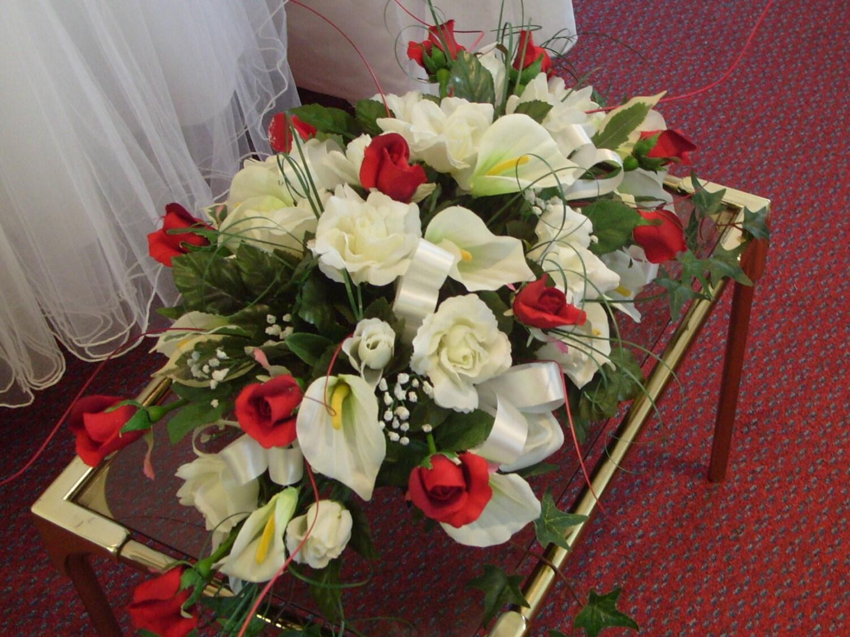 Wedding bells cascade bouquet 2 posies 1 table top 2 free wedding bells cascade bouquet 2 posies 1 table top 2 free corsage set izmirmasajfo