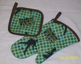 Elvis Great Gift Oven MItt and Hot Pad Pot Holder Set